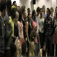 BWW TV: New HAIR Cast Sings 'Let The Sun Shine In'