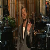 STAGE TUBE: Jude Law Hosts 'Saturday Night Live'