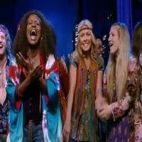 STAGE TUBE: Kelly Ripa Performs 'Aquarius' with the HAIR Cast on LIVE!