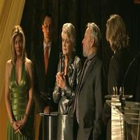 STAGE TUBE: Sondheim Presents Lansbury With Award