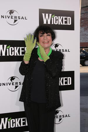 Photo Coverage: Wicked Flies In To Los Angeles