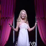 Bailey Hanks Makes Her Broadway Debut as Elle Woods Tonight in Legally Blonde