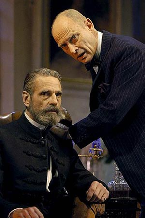 Photo Coverage: Jeremy Irons on the West End in Embers