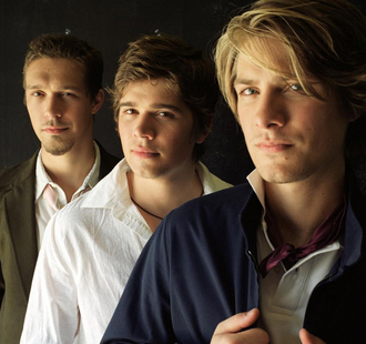 Hanson Announces 'Shout It Out' Tour, Kicks Off 7/21