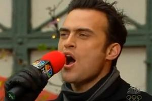 STAGE TUBE: Cheyenne Jackson Sings 'Play To Win'
