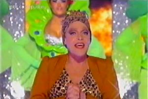STAGE TUBE: Priscilla Queen of the Desert Cast Performs 'I Will Survive'
