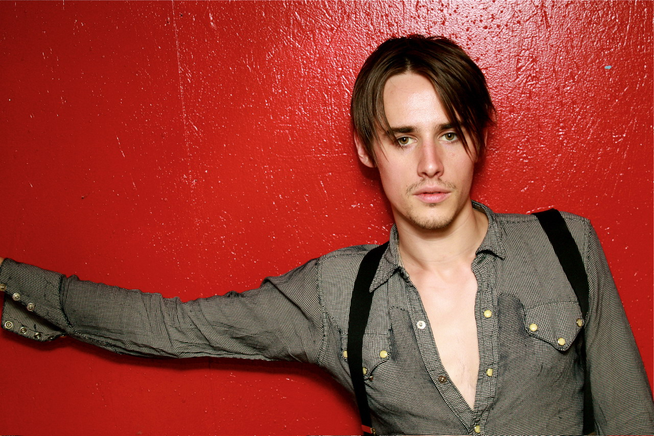 SPIDER-MAN Update: Reeve Carney to Play Peter Parker; 'Show Will Open in 2010'; Cohl Lead Producer
