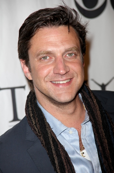 Raul Esparza Set To Appear In REASONS TO BE PRETTY Post Show Talkback 5/19
