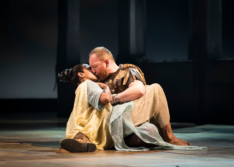 BWW Review: ANTONY & CLEOPATRA, Barbican Theatre