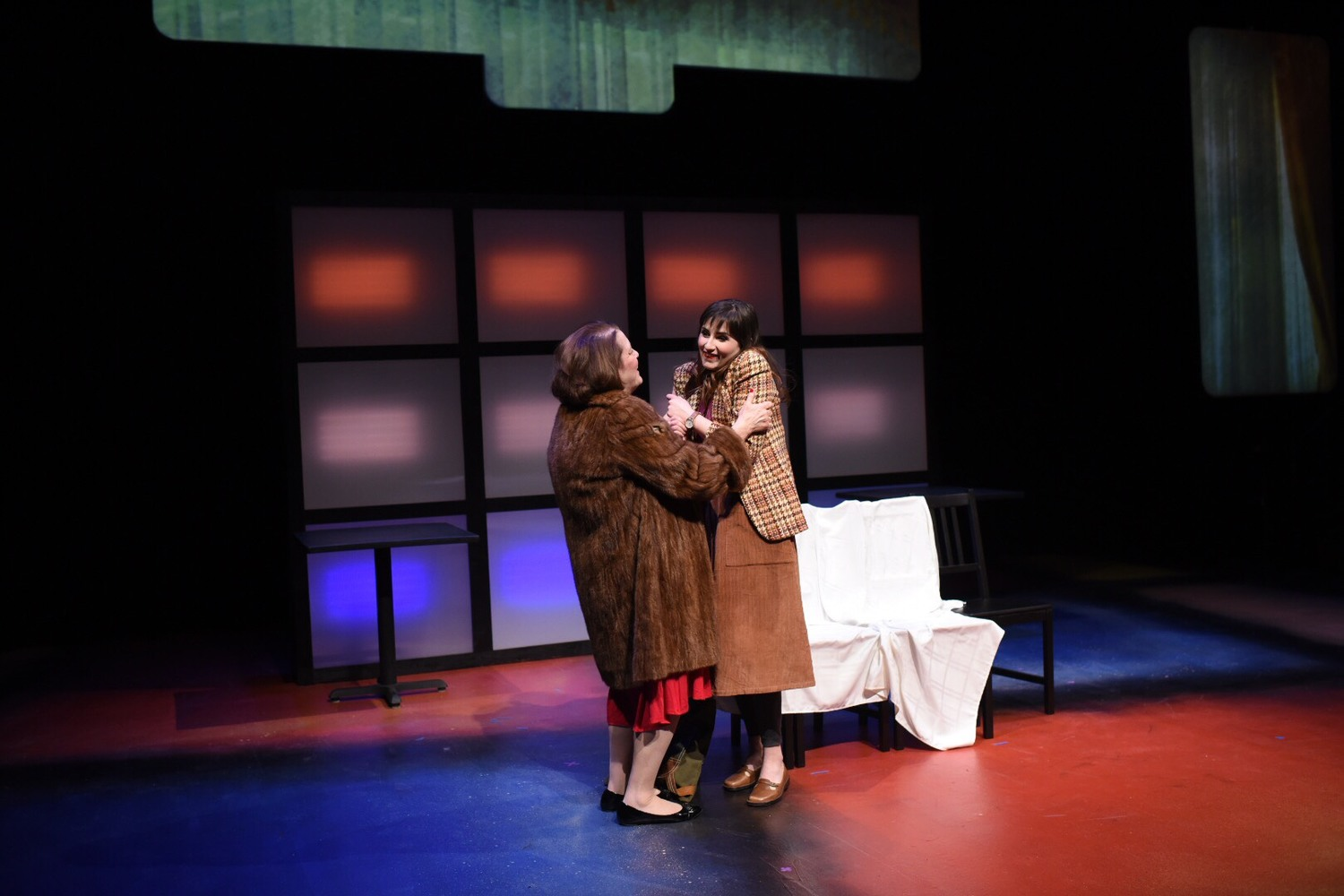 BWW Review: Lyric Arts' DEAD MAN'S CELL PHONE Carries Audiences into Technology's Future