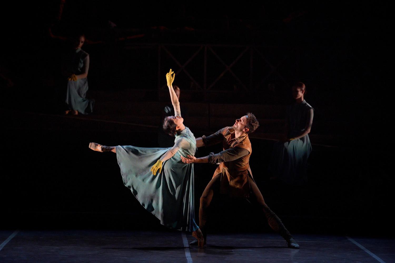 BWW Review: ENGLISH NATIONAL BALLET'S LEST WE FORGET, Sadler's Wells