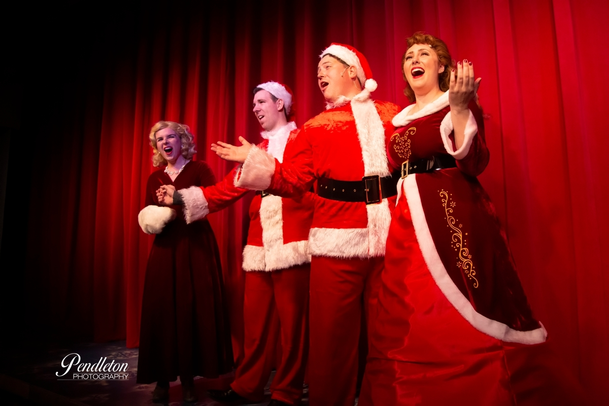 A Firehouse Christmas.Bww Review White Christmas Delights At The Firehouse Theatre