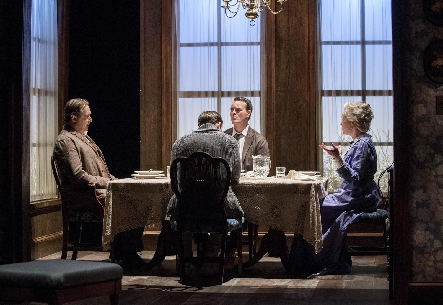BWW Review: LONG DAY'S JOURNEY INTO NIGHT at Everyman Theatre