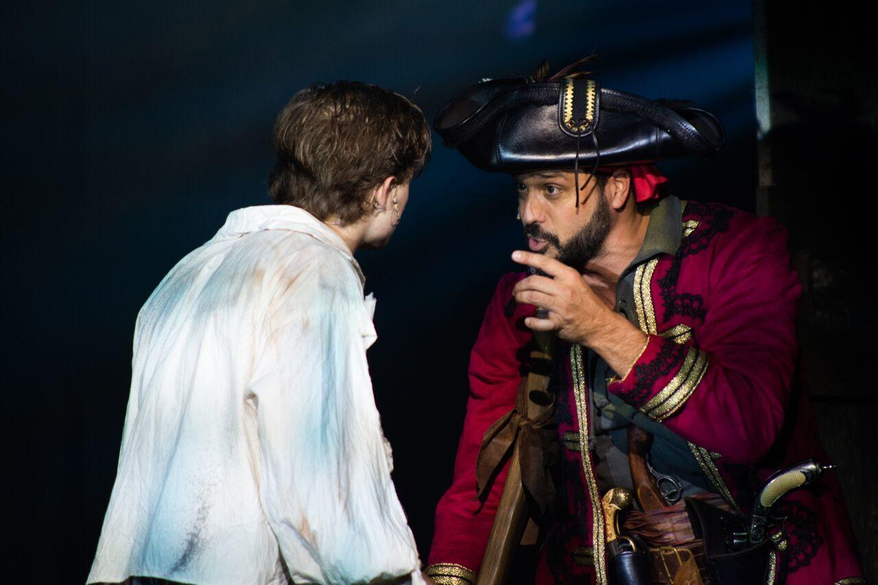 BWW Review: TREASURE ISLAND at Fulton Theatre