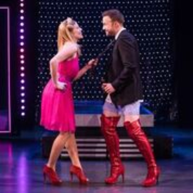 BWW Review: KINKY BOOTS at Emerson Colonial Theatre