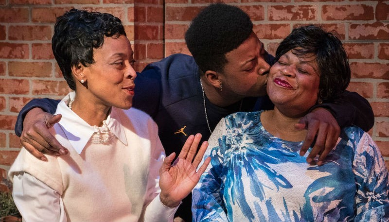 BWW Review: EIGHTH DAY OF THE WEEK Is Cozy at The Ensemble Theatre