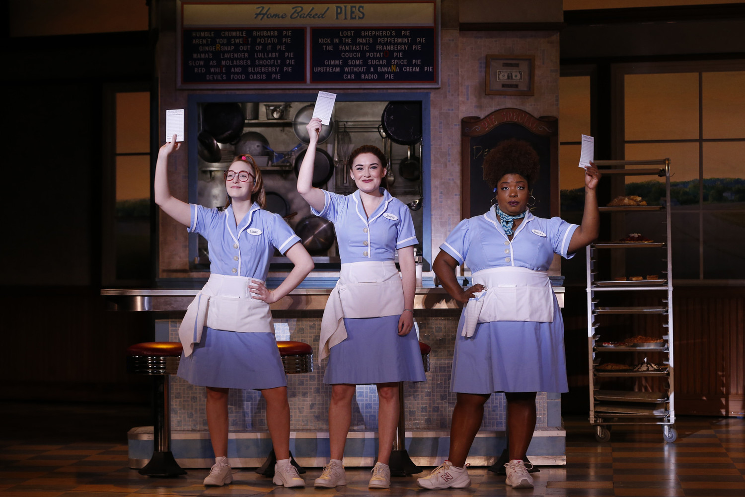BWW Interview: Ephie Aardema of WAITRESS at the Fisher Theatre Says It Has A Lot of Heart... And Pie!