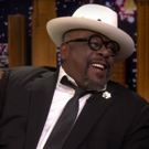 VIDEO: Cedric the Entertainer Talks Beyonce and Recreates 80s Headshots on THE TONIGH Video