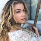 YOU AND ME AND CHRISTMAS! Grammy Winner LeAnn Rimes Celebrates The Holidays At The Mc Photo