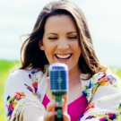 BWW Review: Tara Vaughan: SHE ROCKS! the Omaha Community Playhouse Photo
