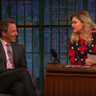 VIDEO: Seth Gives Kelly Clarkson Interviewing Tips on LATE NIGHT WITH SETH MEYERS