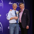 Billboard Journalist Tom Roland Receives the 2018 CMA Media Achievement Award Photo