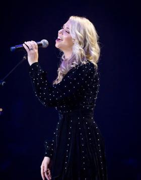 Country Singer/Songwriter Sandra Lynn Makes Her Ryman Auditorium Debut