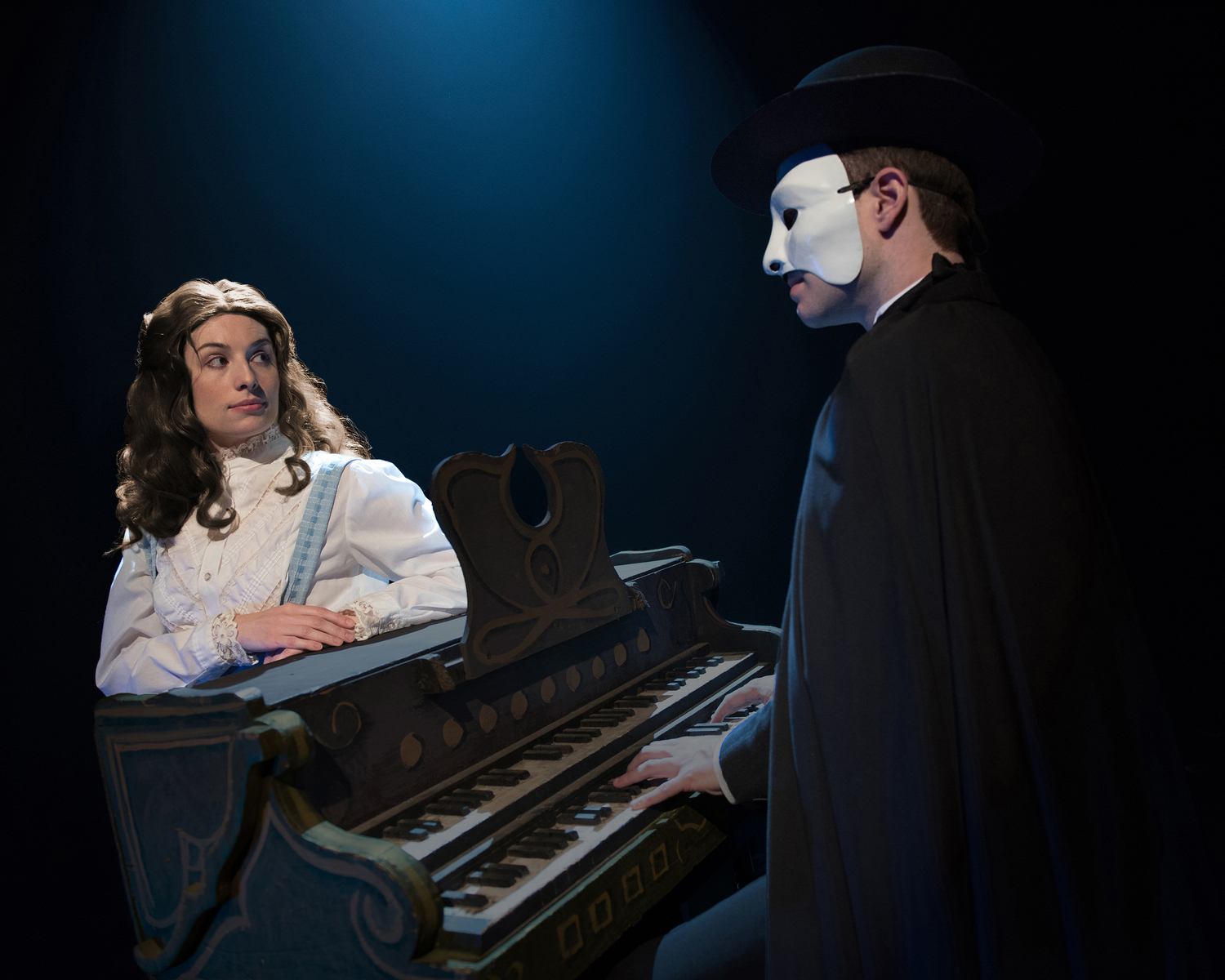BWW Review: PHANTOM at Downtown Cabaret Theatre