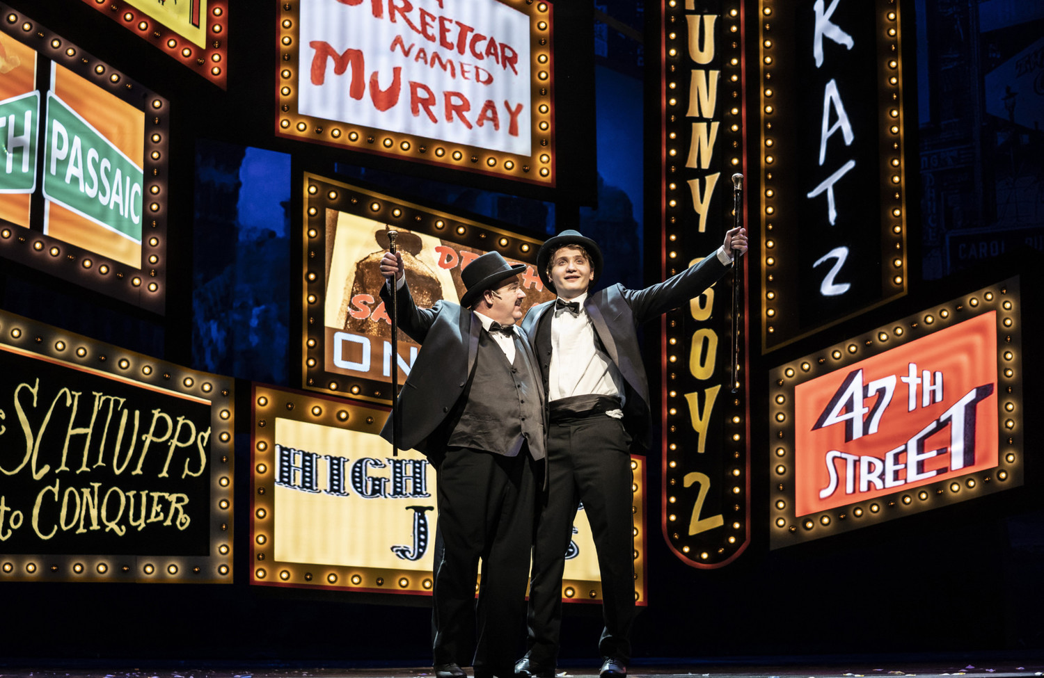 BWW Review: THE PRODUCERS at Paramount Theatre