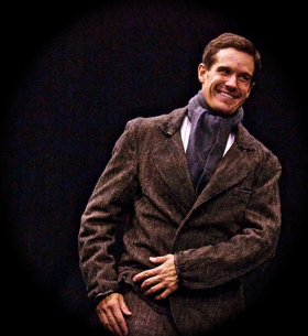 BWW Review: A REGULAR LITTLE HOUDINI is a Captivating One-Man Show