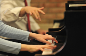 U-M School of Music, Theatre & Dance to Offer Non-Credit Group Piano Lessons for Adult Beginners
