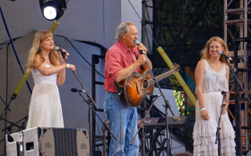 The Schimmel Center To Present Tom Chapin and The Chapin Sisters 4/20
