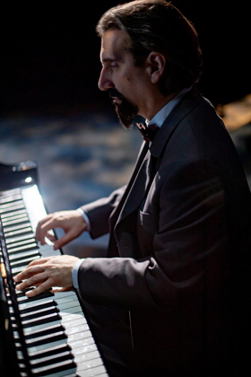 BWW Review: HERSHEY FELDER: A PARIS LOVE STORY Captures the Musical Magic of Claude Debussy's City of Light