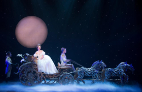 BWW Review: Rodgers & Hammerstein's CINDERELLA Performs at The Landmark Theatre
