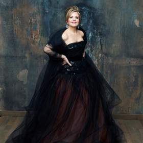 State Theatre New Jersey Hosts Renée Fleming in Concert