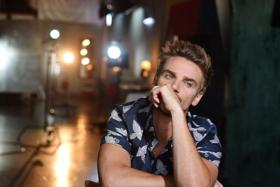 Riley Smith Releases New Track RADIO