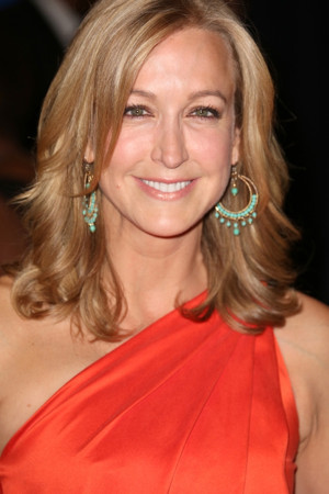 Lara Spencer Experiences an Entire City in One Weekend in Travel Channel Special EAT, DRINK, HAGGLE