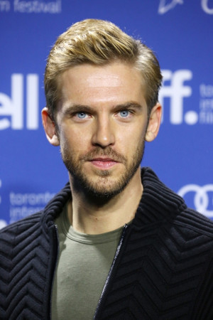 Cara Delevingne & Dan Stevens Sign On For HER SMELL, Joining Elizabeth Moss