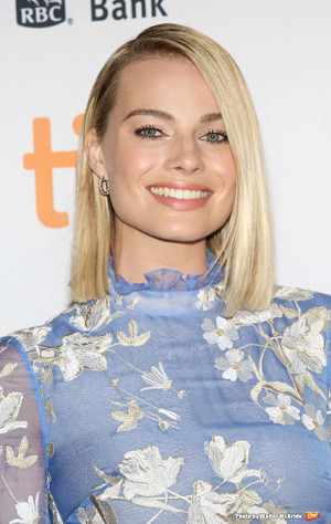 Margot Robbie to Officially Star as Barbie in New Film