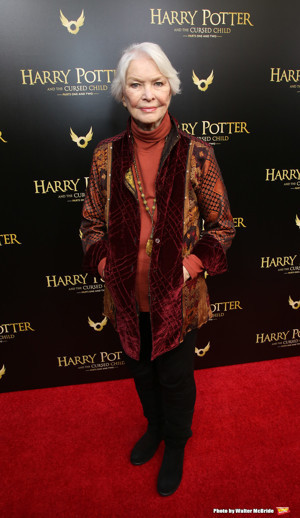 Ellen Burstyn to Join Lineup of Readers in Celebration of National Poetry Month
