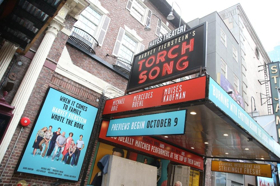 BWW TV: On the Opening Night Red Carpet for TORCH SONG