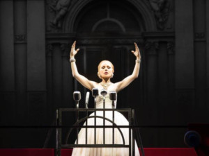 BWW Review: EVITA at State Theatre