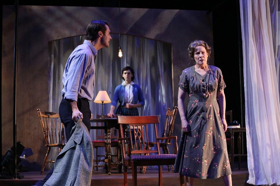 THE GLASS MENAGERIE Comes to International City Theatre