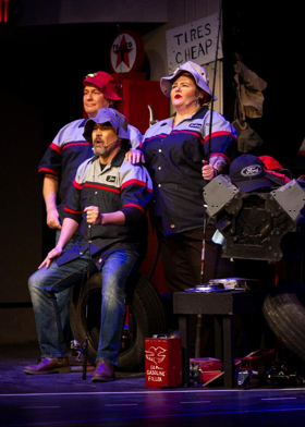 BWW Review: PUMP BOYS AND DINETTES is Chock Full of Southern Charm, Song and Dance