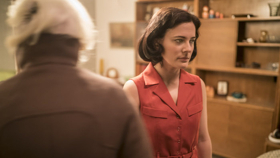 BWW Review: ANNA, National Theatre