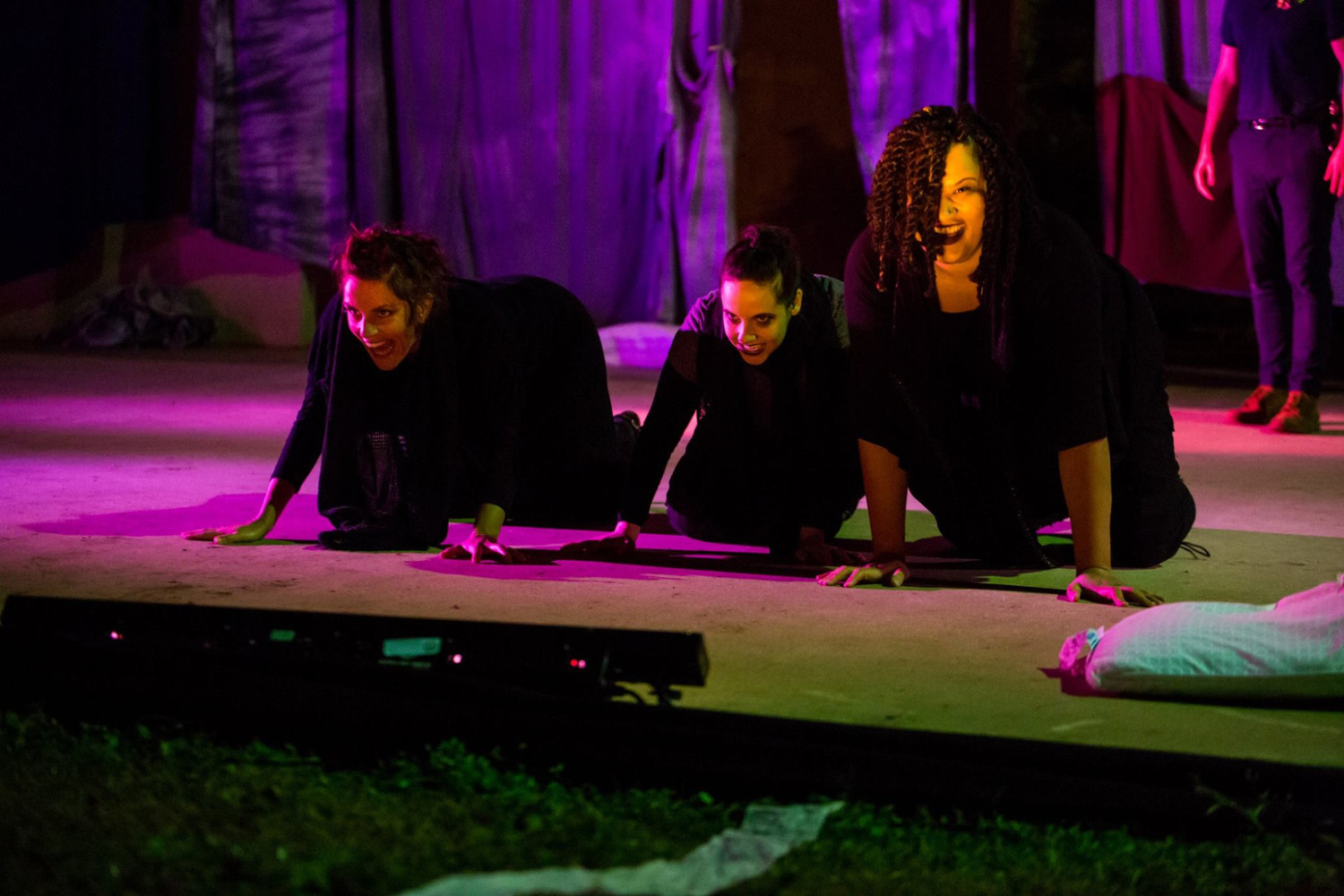 BWW Review: MACBETH Highlights The Might of Women and Folly of Man