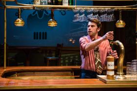 BWW Review: 'T SCHAEP MET DE 5 POOTEN at De La Mar Theater: nostalgia galore, the true heart of Amsterdam!