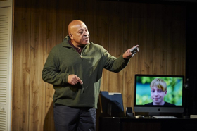 BWW Review: THE ABSLUTE BRIGHTNESS OF LEONARD PELKEY Walks a Tightrope at City Theatre