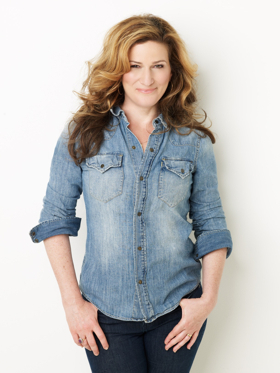 Isaac Mizrahi Returns To Café Carlyle with Special Guests Ana Gasteyer, Patricia Marx & Roz Chast, And Justin Vivian Bond