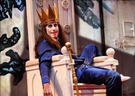 BWW Review: EXIT THE KING, National Theatre